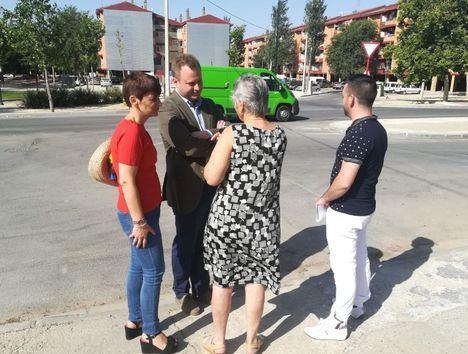 El alcalde visita La Estrella y La Milagrosa y tiende la mano a los trabajadores de limpieza viaria y recogida de residuos