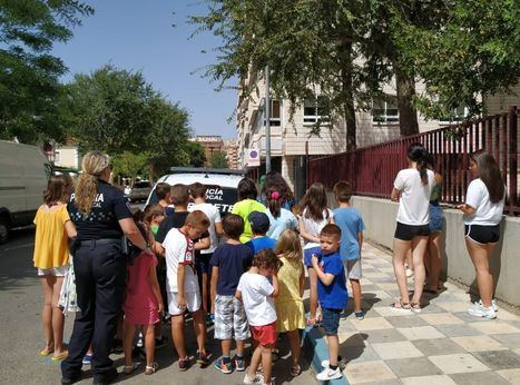 La Policía Local de Albacete ha recibido la visita de más de 200 niños y niñas este verano