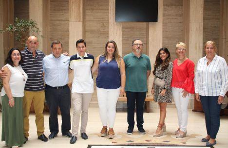 Manuel Serrano felicita a las tres parejas de Manchegos seleccionados para representar a Albacete durante la Feria 2019