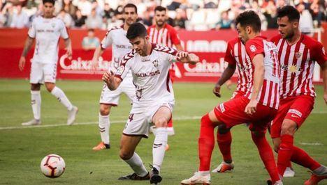 El Albacete busca ratificar su mejoría respecto al primer partido de liga, y con esa ilusión ha viajado a Gijón