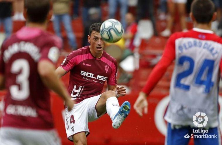 2-0. Un flojo Albacete en defensa y nulo en ataque sale derrotado de Gijón