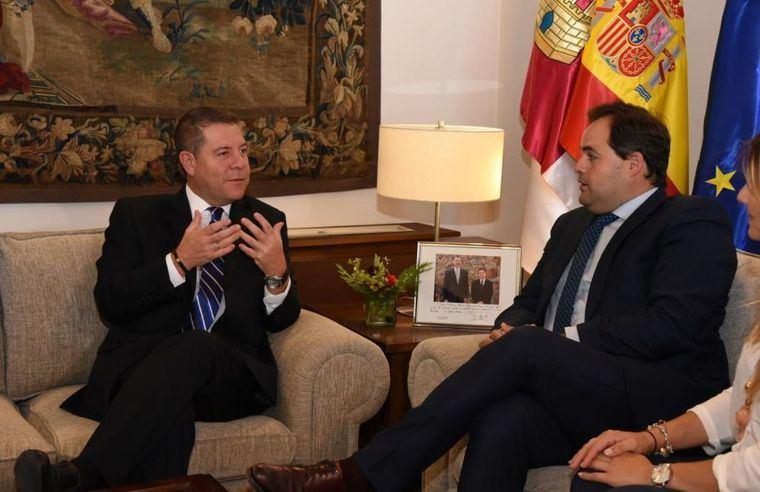 El presidente de Castilla-La Mancha, Emiliano García-Page, ha mantenido hoy un encuentro con el líder regional del PP, Francisco Núñez