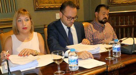 La vicepresidenta de la Diputación, Amparo Torres, detalla con total transparencia la gestión realizada en torno a la problemática del servicio de recogida selectiva de envases