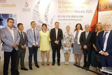 La ciudad aprovecha el escaparate de la Feria para difundir el III Encuentro Mundial de Capitales de la Cuchillería