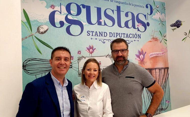 El Show Cooking en el stand de Diputación de Albacete abre sus puertas con bacalao al pisto manchego
