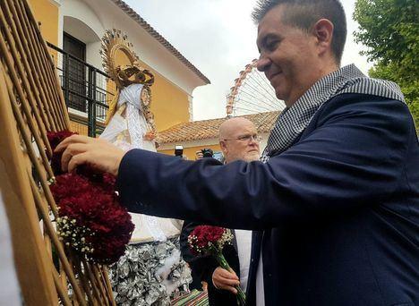 """Santiago Cabañero recuerda """"a los municipios de la provincia afectados por el temporal"""" durante la Ofrenda de Flores a la Virgen de Los Llanos"""
