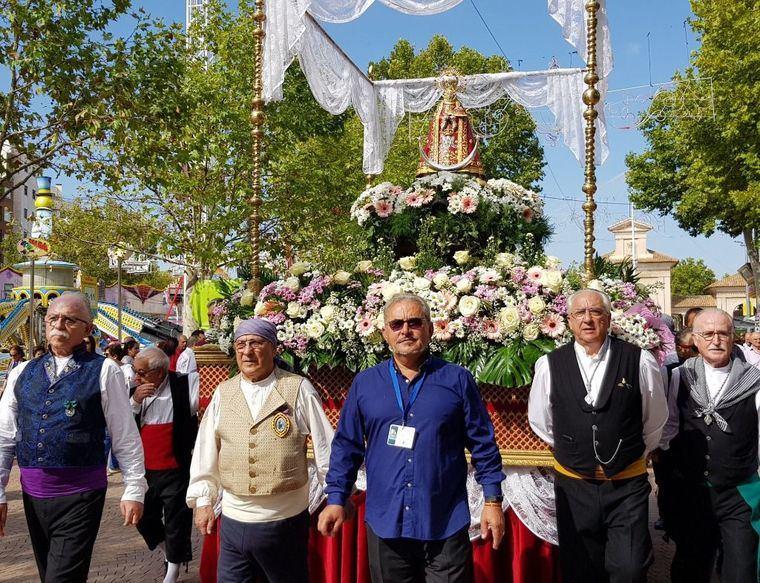 La Virgen de Los Llanos regresa a la Casa Consistorial respaldada por 3.000 albaceteños