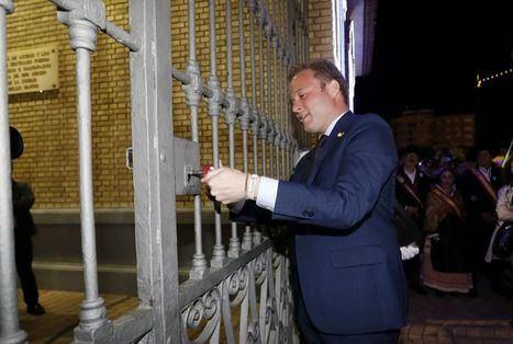 El alcalde de Albacete cierra la Puerta de Hierros destacando que la Feria ha terminado sin incidentes reseñables