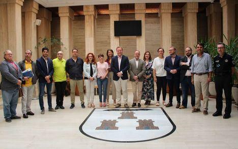 El alcalde de Albacete valora que haya desaparecido la estampa de los macrobotellones de la Feria