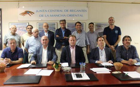 El alcalde de Albacete, Vicente Casañ, toma posesión de su cargo de vocal en la Junta Central de Regantes de la Mancha Oriental