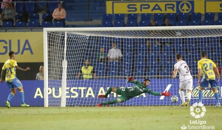 3-2. Jonathan Viera fulmina a un Albacete que reaccionó tarde en Las Palmas