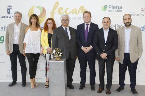 """Vicente Casañ, en los premios FECAM: """"Vuestra capacidad es la más importante de todas, la de contribuir a que nuestra sociedad sea mejor"""""""