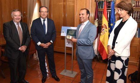 El Gobierno regional entrega el proyecto de Ley de Presupuestos de Castilla-La Mancha para 2020 a las Cortes para comenzar su tramitación