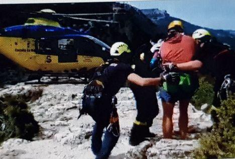 Efectivos del SEPEI del Parque de Molinicos rescatan a un excursionista accidentado en la Cueva de los Chorros