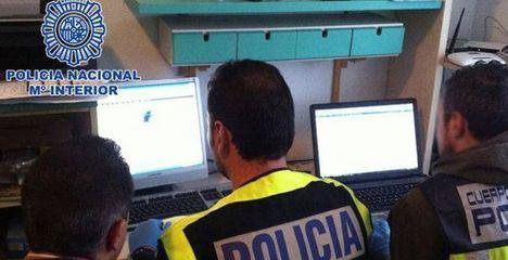 La Policía Nacional detiene en Albacete a tres jóvenes que difundían pornografía infantil a través de Internet
