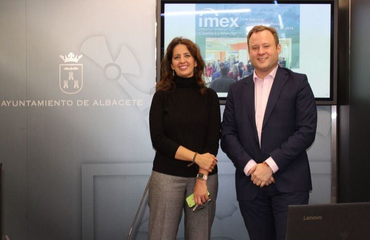 El alcalde invita a las empresas de Albacete a buscar oportunidadesy les ofrece el stand que el Ayuntamiento tendrá en la Feria IMEX
