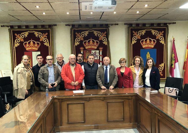 """Serrano: """"El PP defenderá a nuestros agricultores y productores ante Estados Unidos por los aranceles al vino, al aceite y al queso'"""