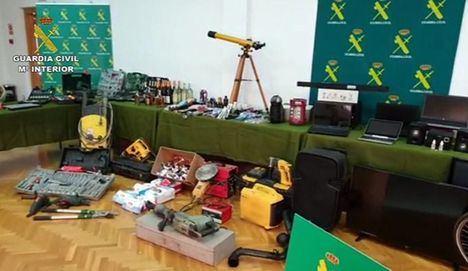 La Guardia Civil desarticula un grupo criminal especializado en robos en edificios públicos, colegios y farmacias