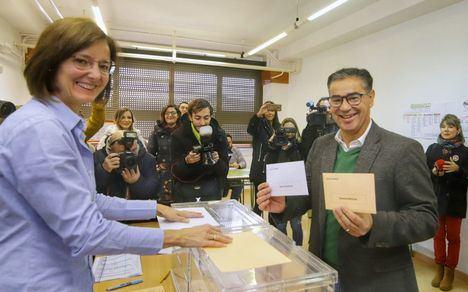 """González Ramos ejerce su derecho a voto llamando a la participación ciudadana en """"las elecciones más importantes para el futuro de España"""""""