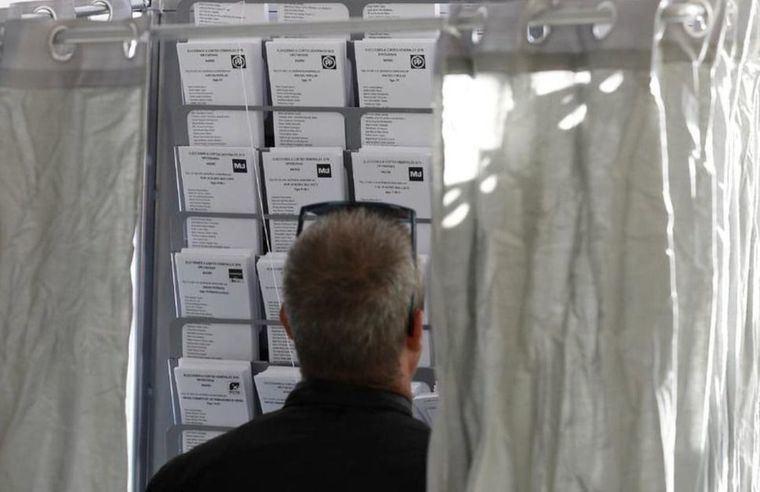La participación en las elecciones generales a las 18.00 horas es del 56,86%, casi 4 puntos menos que el 28A