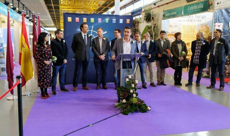 Santiago Cabañero se felicita de que las empresas de nuestros municipios puedan beneficiarse del atractivo ferial de Albacete capital