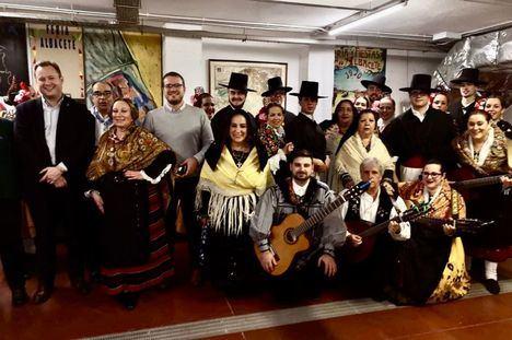 Vicente Casañ participa en la apertura de la V edición del Festival Nacional de Folclore 'El Trillo'