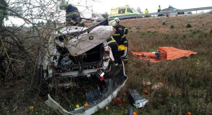 Fallece un hombre de 81 años al salirse de la vía en una carretera de Poco Cañada. (Albacete)