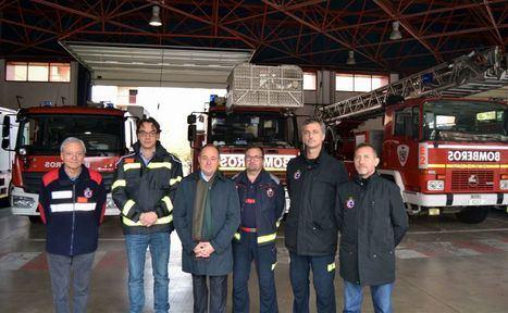 Emilio Sáez asiste al curso de mando del Parque de Bomberos, junto al nuevo jefe del Servicio contra Incendios, Ismael Pérez