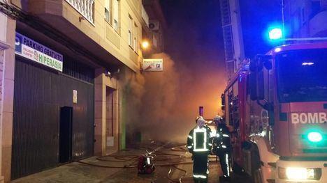 Por el incendio en Villarrobledo, 40 personas desalojadas y 10 intoxicadas