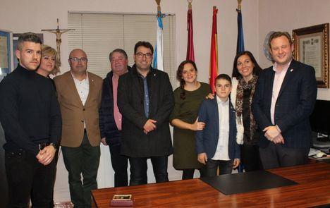 Recepción en el Ayuntamiento de Aguas Nuevas al joven deportista Luis Sánchez