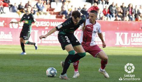 0-1. Un golazo de Qasmi da los tres puntos al Elche ante un pobre Albacete que se aleja de los primeros puestos
