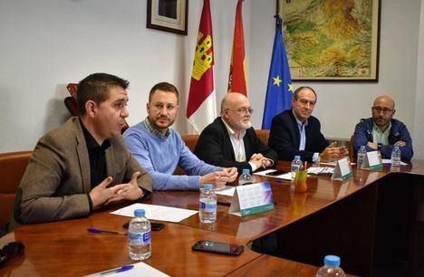 Santiago Cabañero subraya la importancia de que las administraciones públicas trabajen en el desarrollo de políticas de formación y de empleo