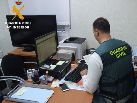 La Guardia Civil detiene a una persona por la comisión de varias estafas, hurtos y robos con fuerza en viviendas de Almansa