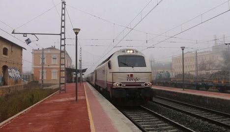 Adif deja de vender billetes en once estaciones de tren de Castilla-La Mancha