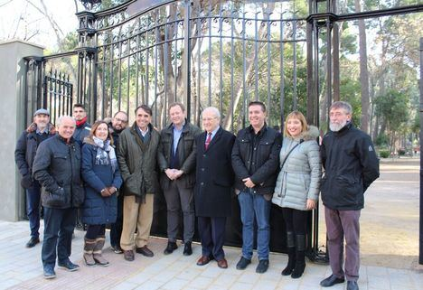 El parque Abelardo Sánchez de Albacete ya luce el que fuera el portón de acceso al antiguo Giner de los Ríos