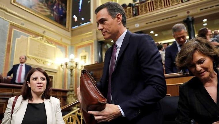 Como estaba previsto, Pedro Sánchez no logra mayoría absoluta y confía en conseguir más 'síes' que 'noes' el martes