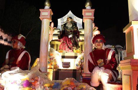 Unas 65.000 personas han disfrutado de una vistosa y animada Cabalgata de Reyes en Albacete
