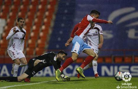 1-0. El Lugo rompe su mala racha y agrava la del Albacete que se acerca a los puestos de descenso