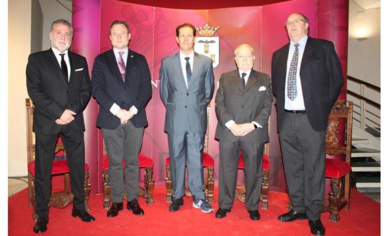 Albacete se vuelca en el reconocimiento a Mariano de la Viña y al doctor Val-Carreres