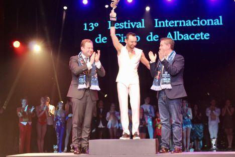 El trapecista ruso Oleg Spigin gana el Cirquijote de Oro del XIII Festival Internacional de Circo de Albacete