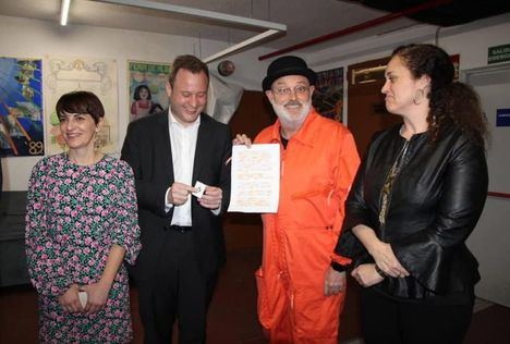Pablo Carbonell homenajea a José Luis Cuerda y al humor albaceteño en un divertido pregón del Carnaval