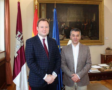 El subdelegado de Gobierno y el alcalde de Albacete se reúnen para abordar asuntos de interés para la ciudad