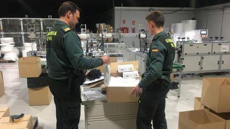 La Guardia Civil ha incautado 150.000 mascarillas quirúrgicas