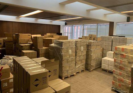 El Gobierno de Castilla-La Mancha ha distribuido ya más de 2,3 millones de artículos de protección para los profesionales de los centros sanitarios