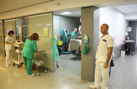 Coronavirus.- El hospital de Hellín traslada el servicio se Ginecología y Pediatría al gimnasio para conseguir más camas disponibles