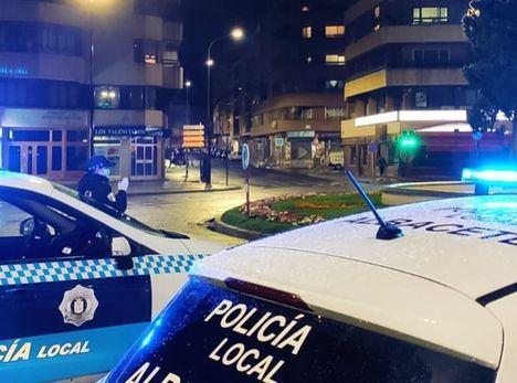 La Policía Local de Albacete detiene una persona por resistencia y desobediencia grave al no cumplir con las normas de confinamiento
