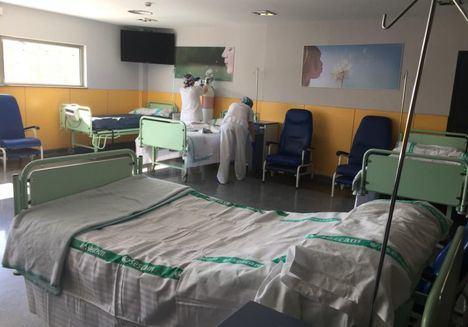 Los hospitales de Castilla-La Mancha tienen instaladas mil camas más y el triple de respiradores que en un mes de marzo convencional