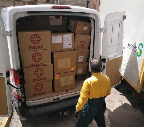 El Gobierno de Castilla-La Mancha ha enviado 256.000 artículos de protección para profesionales sanitarios del Hospital de Albacete