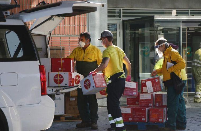 El Gobierno de Castilla-La Mancha realiza nuevo envío de más de 203.000 artículos de protección para los profesionales sanitarios y 9.400 test rápidos