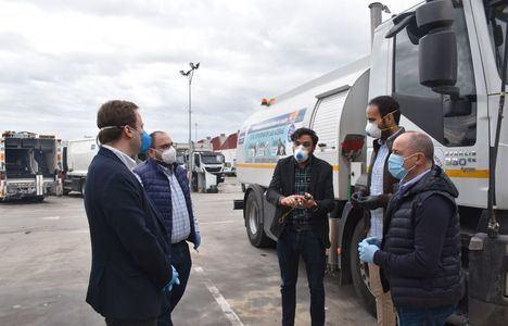 El Ayuntamiento extiende a las urbanizaciones el servicio de desinfección, que lleva acumuladas cerca de 35.000 actuaciones en todos los barrios de la ciudad